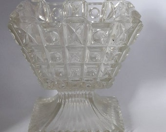 french vintage - Vase made in France in the 1930s, clear glass