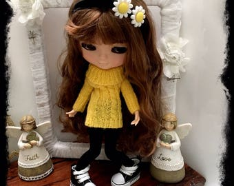 QBG Designs - KNITTED JUMPER - Blythe Neemo Doll Clothes - Clothes for Dolls