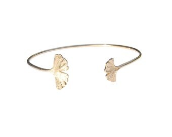 Nymphe bangle bracelet - Gold gingko leaves bangle bracelet