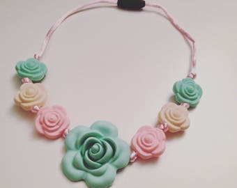 Girl necklace - flowers