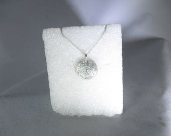 99.9% pure silver pendant necklace by Kelnjo