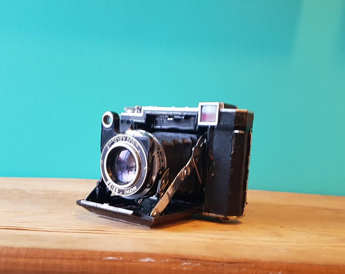 Featured listing image: Zeiss Ikon Super Ikonta 532/16 - Working