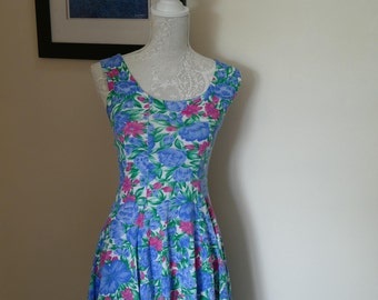 Retro Floral Summer Sun Dress. Perfect for Holidays!