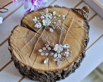 Bridesmaid hair pins Crystal hair pins Wedding hair pins Flower hair pin Leaf hair pin Silver hair pin Silver leaf headpiece Bridal hair pin