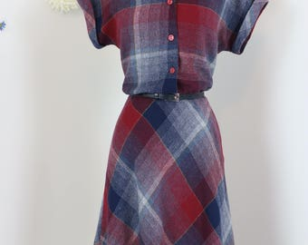 1950s Dress - Blue Red Plaid Fit And Flare Midi - Winter Fall - Flannel - Short Sleeve - Shirt Dress - Country Western - Size Medium