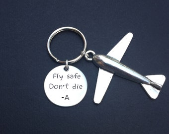 Fly safe Keychain, Fly safe Don't die, Pilot Gift, Airplane Keychain, Airplane, Traveling Keychain, Gift for Flight Attendant, Travel gift