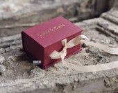 Personalized ring box FOR EVE in grey linen