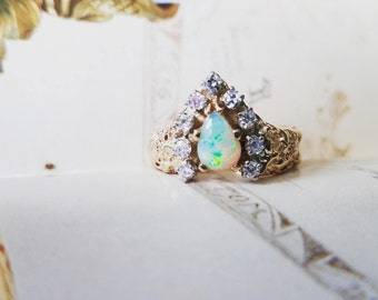 Opal Diamond Ring 14K Gold (size 6.75)