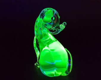 NEW LISTING Vintage Retro Murano Uranium Green and  Clear Thick and Heavy Glass Dog