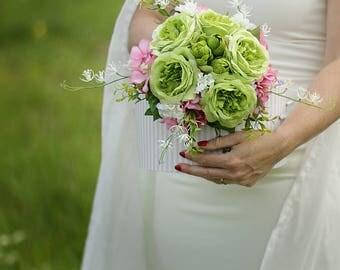 SALE 30% Wedding  Bouquet, Bridal Bouquet, Wedding Brides Green Rose , Bridesmaid Green Pink Romantic Flowers, Garden Wedding Bouquet