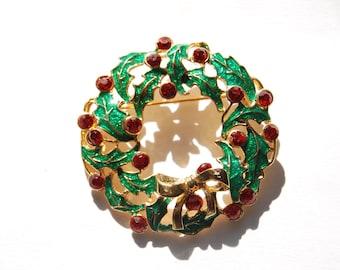 Vintage Christmas rhinestone wreath brooch pin