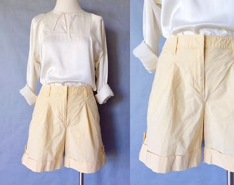 20% off using coupon! vintage shorts/ cuffed shorts/ high waist shorts women's size M/L