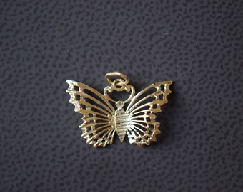 14K Yellow Gold Butterfly Vintage Pendant - Fine Gold Charm - S276 -