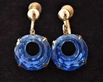 "Vintage Delicate Blue Crystal Geometric Circle Dangle Drop Earrings Screw Back Gold Tone Mid Century Retro Costume Jewelry 1.25"""