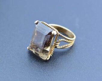 Circa 1960 10K YG handmade smokey quartz Ring, Size 4.25
