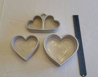 3 piece set vintage 1987 stoneware heart shape muffin cake biscuit holders - art pottery cookware bakeware bowls dishes trays white brown