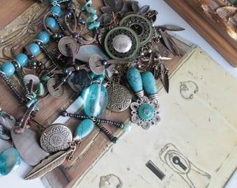Assortiment de perles, apprêts, breloques, bijou fantaisie, fabrication de bijoux, fournitures pour bijoux, 105g, 544