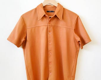 ON SALE - 80s rust orange colored short sleeve, collared button up shirt, size medium