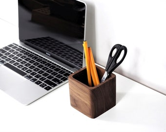 Real wood pencil holder - pen cup - pen storage - desk storage - wooden pen holder - wood pencil cup - pen cup - crayon holder
