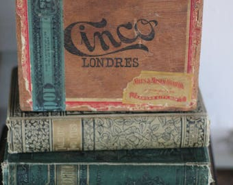 Vintage Cigar Box with Great Color and Graphics