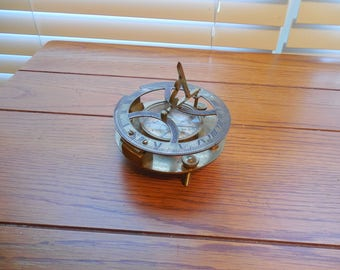 Vintage Brass Decorative Table Compass - Functional / Vintage Brass Desktop Compass / Nautical Theme Decor / Vintage Compass Paperweight