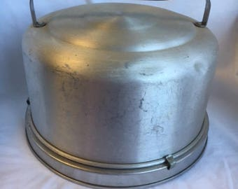Vintage Mirro Cake Carrier with Handle and Lock