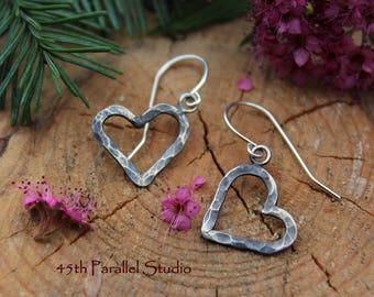 Hammered Sterling Silver Heart Earrings, 925 Sterling Silver Earrings, Heart Earrings, Sweetheart Earrings, Silver Hearts, Hammered Earrings