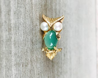 14k yellow gold owl pin with pearls and green chalcedony