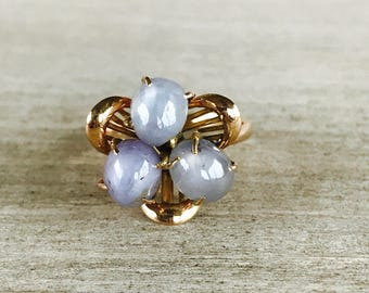 Pale blue star sapphire vintage ring in 14k yellow gold
