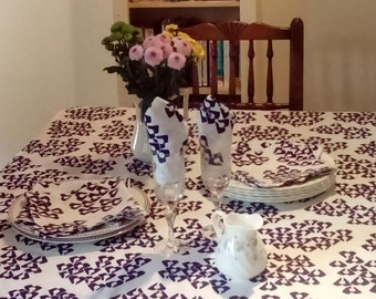 Linen Tablecloth and Napkin set - Gift wrapped