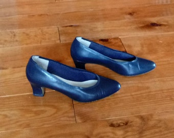 Vintage 925 So Soft Leather Dress Shoes - Women's Leather Heels - Navy Blue Leather Heels - Women's Size 7M
