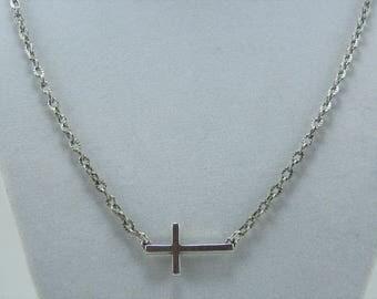 N496, Cross Necklace