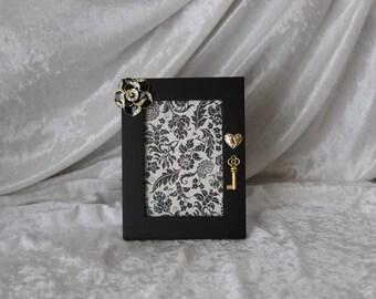 Black Rose Picture Frame