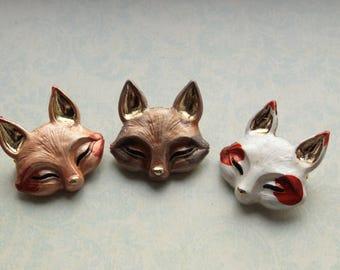 Fox Brooch || Fox head brooches, kitsune, wildlife, woodland, coyote, arctic fox