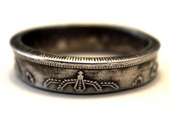 Coin Ring/ Münzring 5 Pesetas(Spain/Spanien) size(US) 8/ Größe(DE) 18; size/Größe(mm/inches): 57/ 2 5/16