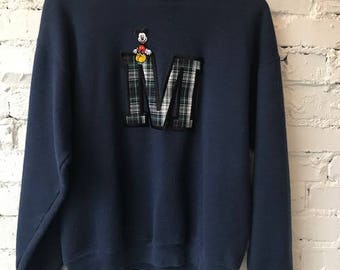 Vintage Mickey Mouse Sweatshirt / Size Large / Made in USA / 90s 1990s / Retro / Hype / Disney