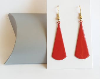 Earrings red fan, earrings red and gold, red triangle earrings, earrings chic.