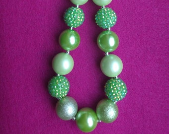 St Patricks Day Bubblegum Necklace, Green Chunky Necklace Girls, Kids Easter Necklace