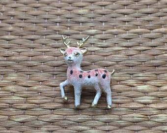 vintage 1970s fawn brooch