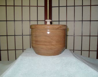Lidded Cherry Bowl (SDC12040)