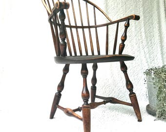 antique uva windsor arm chair university of virginia sack back windsor chair property of