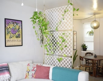 Mid Century Partition Spring Loaded