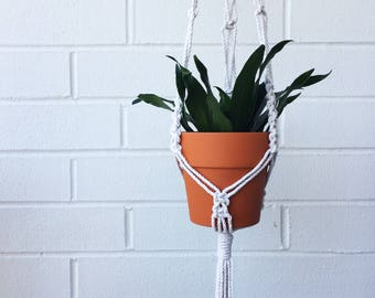 Macrame Plant Hanger / Modern Macrame / Macrame Plant Holder / Plant Hanger / Plant Holder / Bohemian
