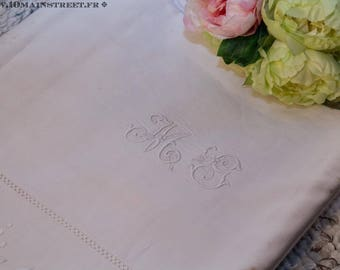 Stunning cloth embroidered old linen Monogram 230 x 310 MG