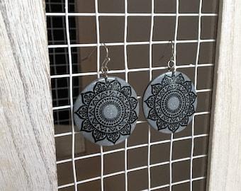 Rosette earrings, glitter gray polymer clay, mandala black rosettes