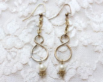 Figure Eight Dangling Earrings | Gold and Pearl
