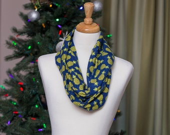 Pineapple Infinity Scarf with a Twist