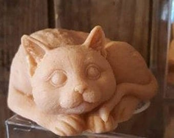 Soaps-shaped red cat, almond fragrance