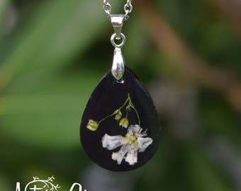 Black and White Real Flower Resin Necklace / Wildflower Necklace / Resin Flower Jewelry