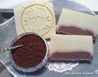 Natural vegetable handmade soap with olive oil and cocoa.